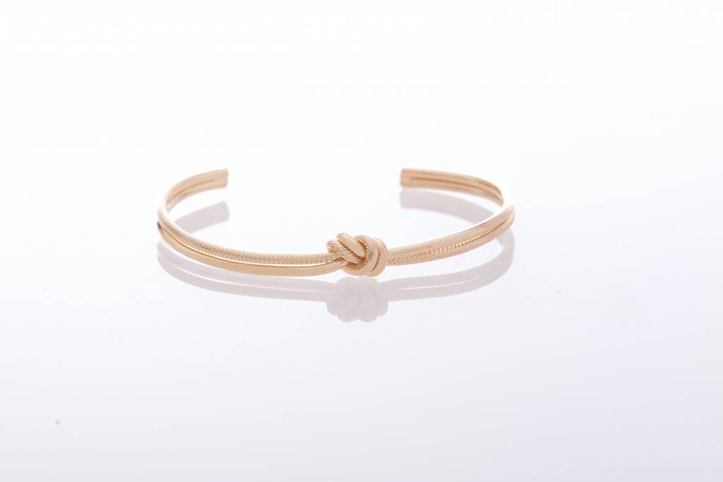 One Knot - Bangle - GOLDEN