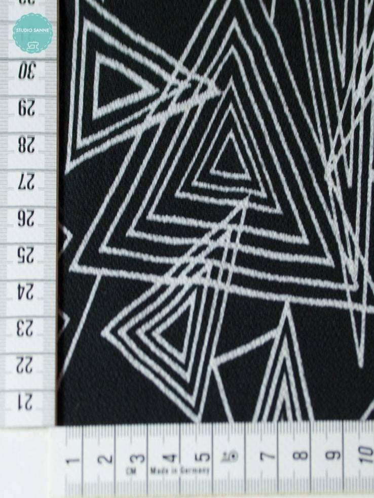 10 Euro Per Meter - Triangle Black - Crepe