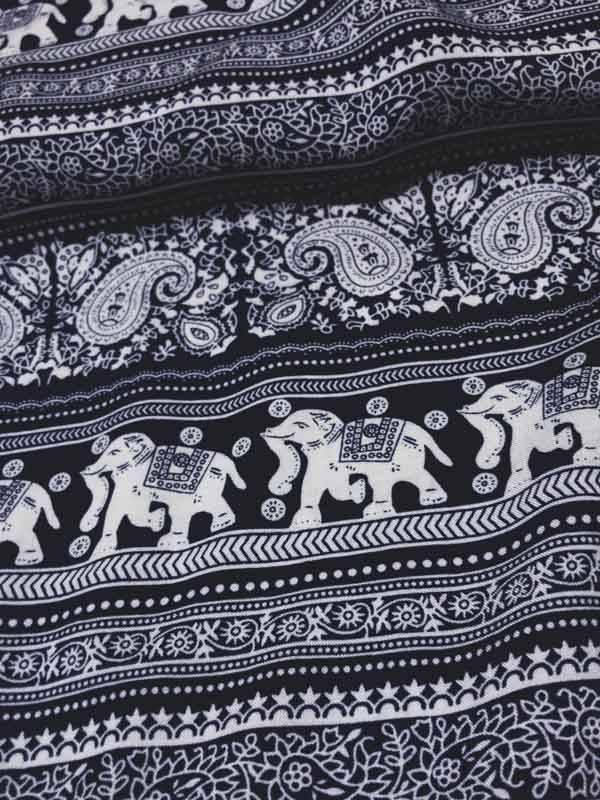 7€ Per Meter - Printed Paisley Elephant - Viscose