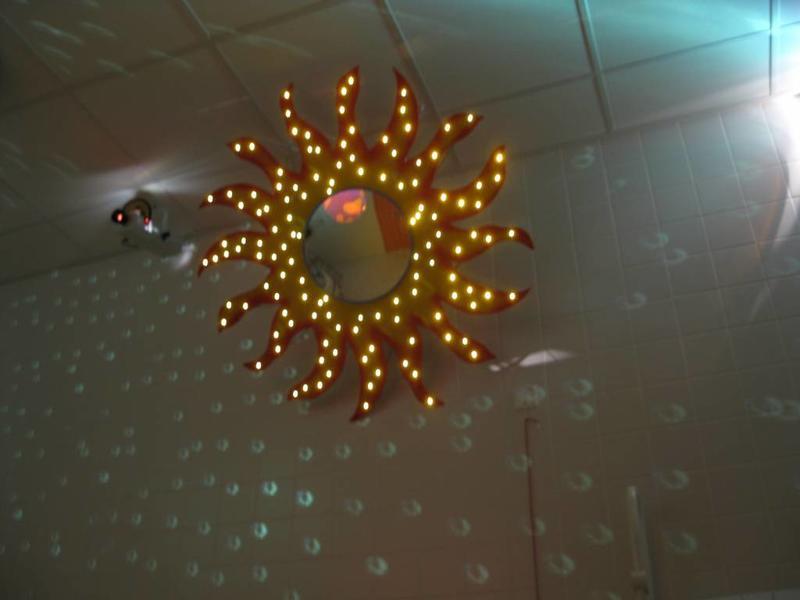 Schitterzon- met acrylaatspiegel en vezelnevel    120cm