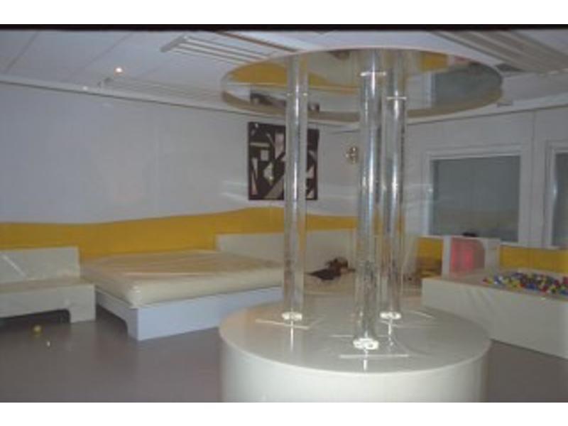 Atelier Michel Koene Eiland t.b.v. Bubble Unit rond, Bisonyl    160 x 50cm