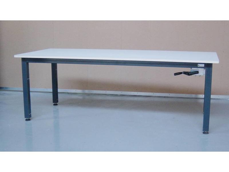 Atelier Michel Koene Hoog/laag tafel AMK hydraulisch Blad Ecoplex HPL 19mm wit   t/m 240 x 120cm