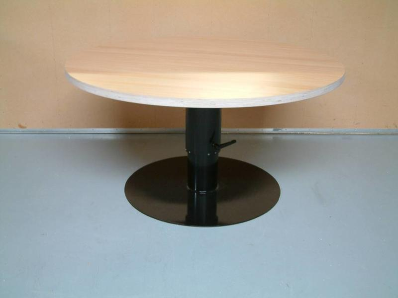 Atelier Michel Koene Hoog/laag tafel AMK met spindel, blad ecoplex wit    170cm