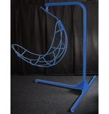 Atelier Michel Koene Meerprijs Hangstoel en statief in kleur gepoedercoat