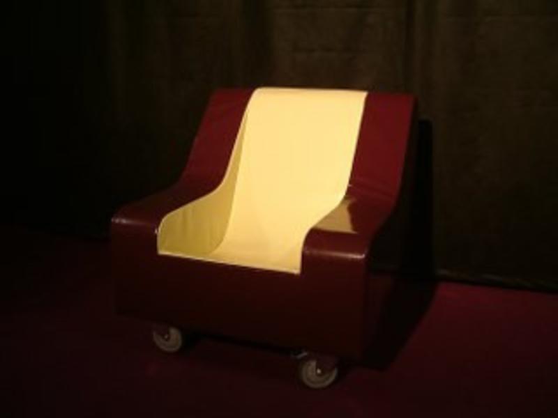 Atelier Michel Koene Meerpijs stoel verrijdbaar