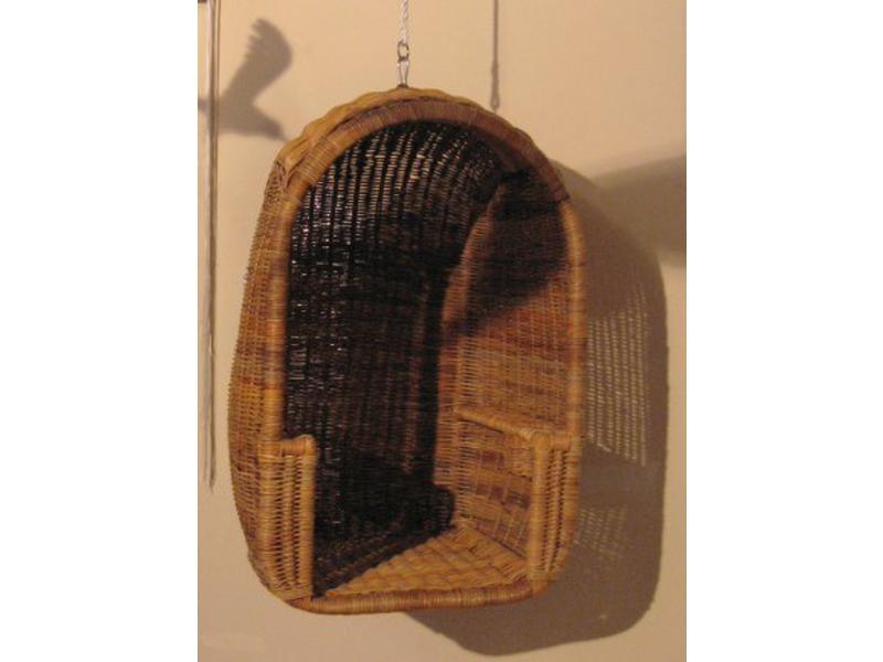 Hangkorf gevlochten riet incl Stamskin kussen   75x65x120cm