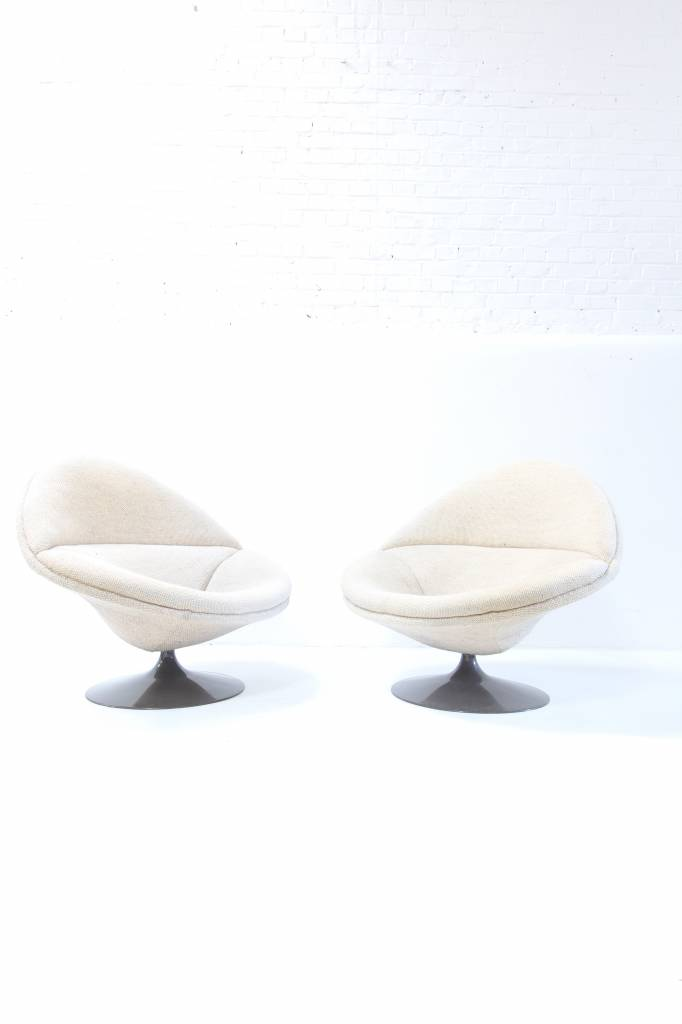 Pierre Paulin design chairs voor Artifort F422