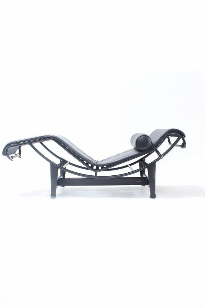 Tweedehands Corbusier LC4 Chaise Longue in zwart leder
