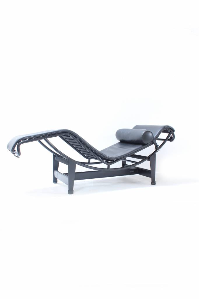 Cassina Tweedehands Corbusier LC4 Chaise Longue in zwart leder