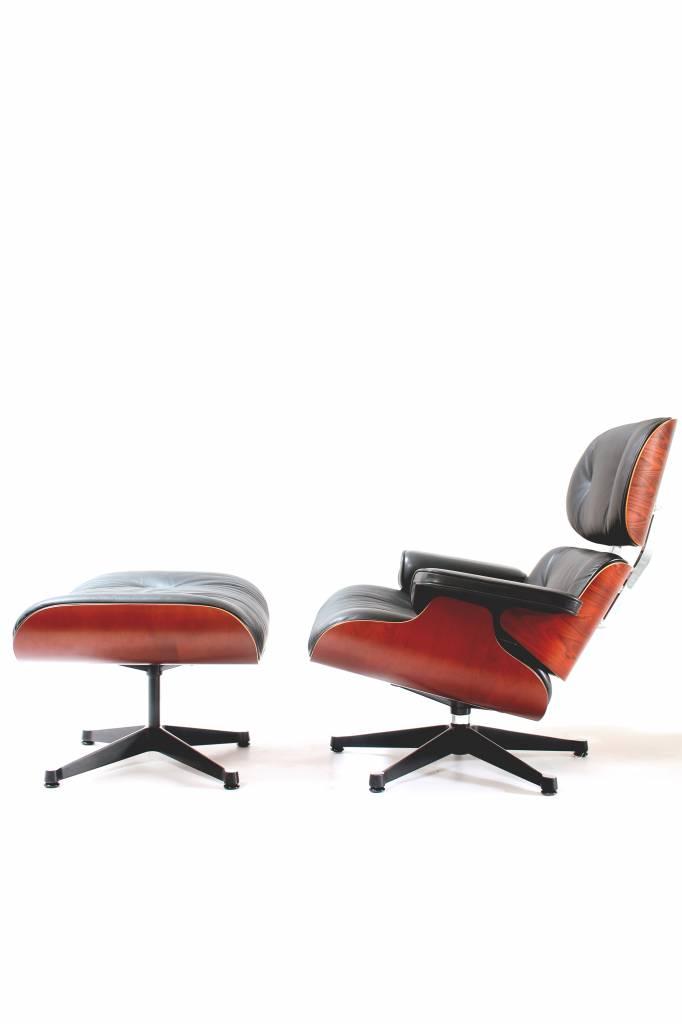 Vitra Eames lounge chair & ottoman Vitra.