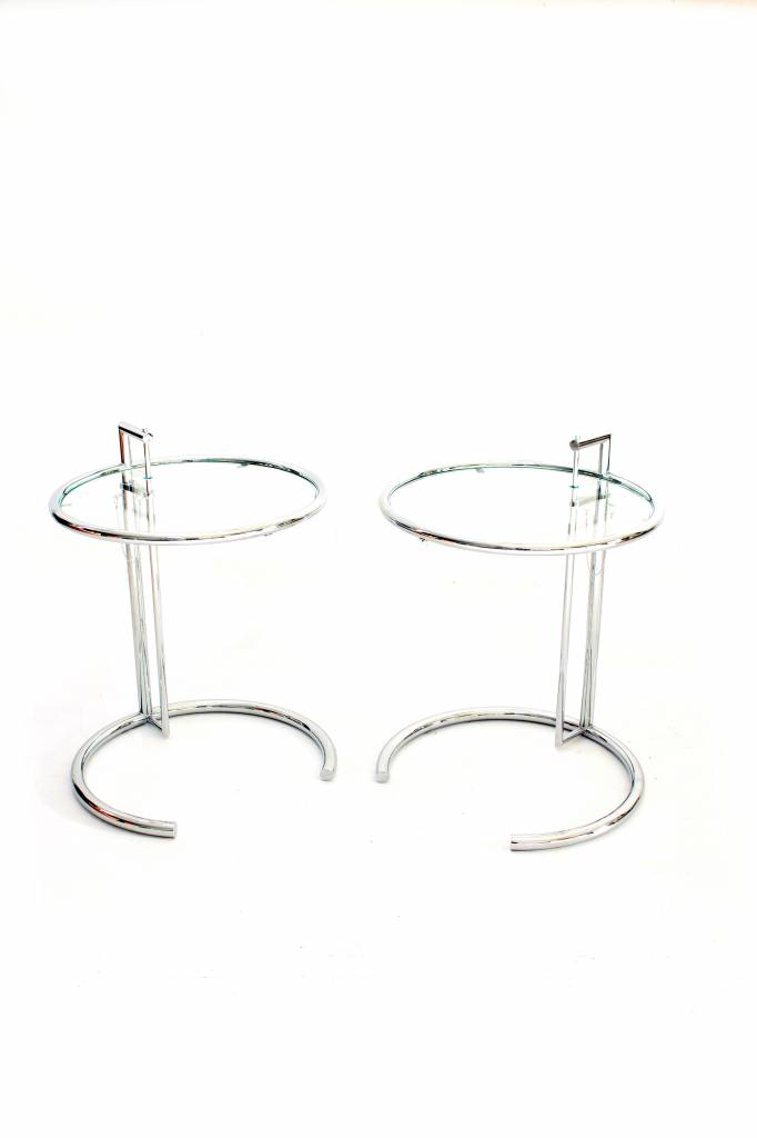 Table E 1027 set by Eileen Gray