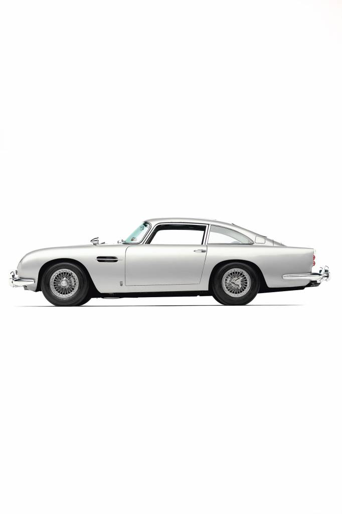 Aston Martin DB5  schaal 1:8 James bond