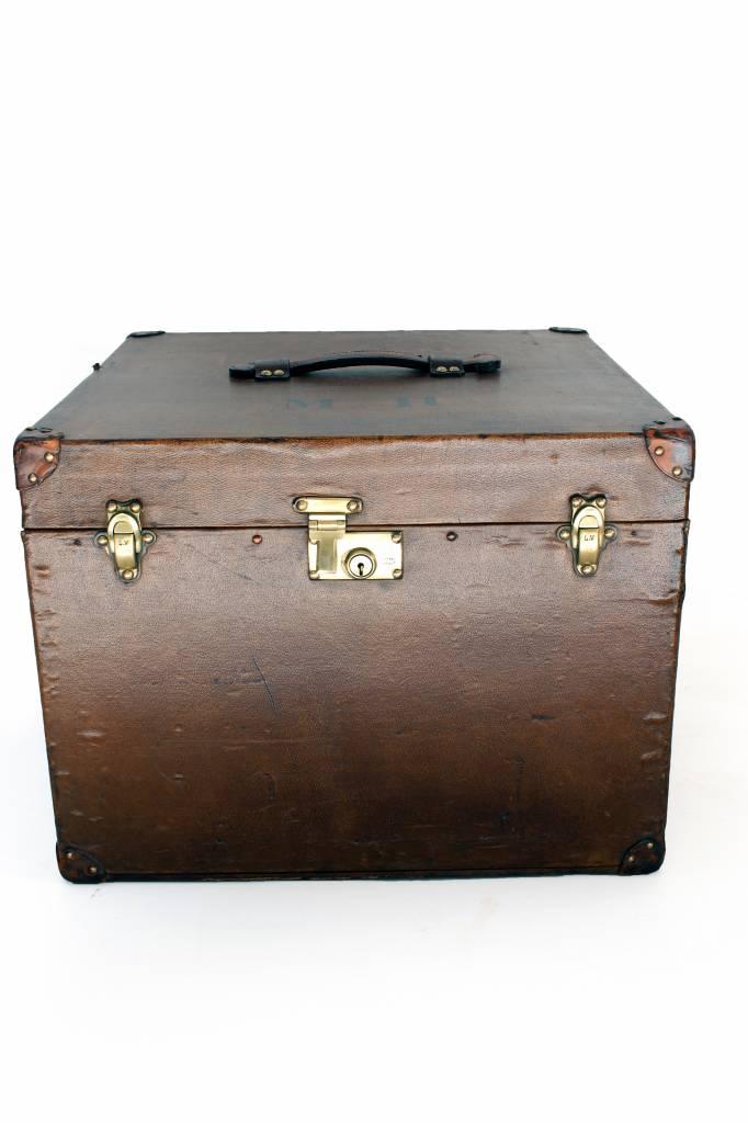 Vintage Louis Vuitton hat trunk