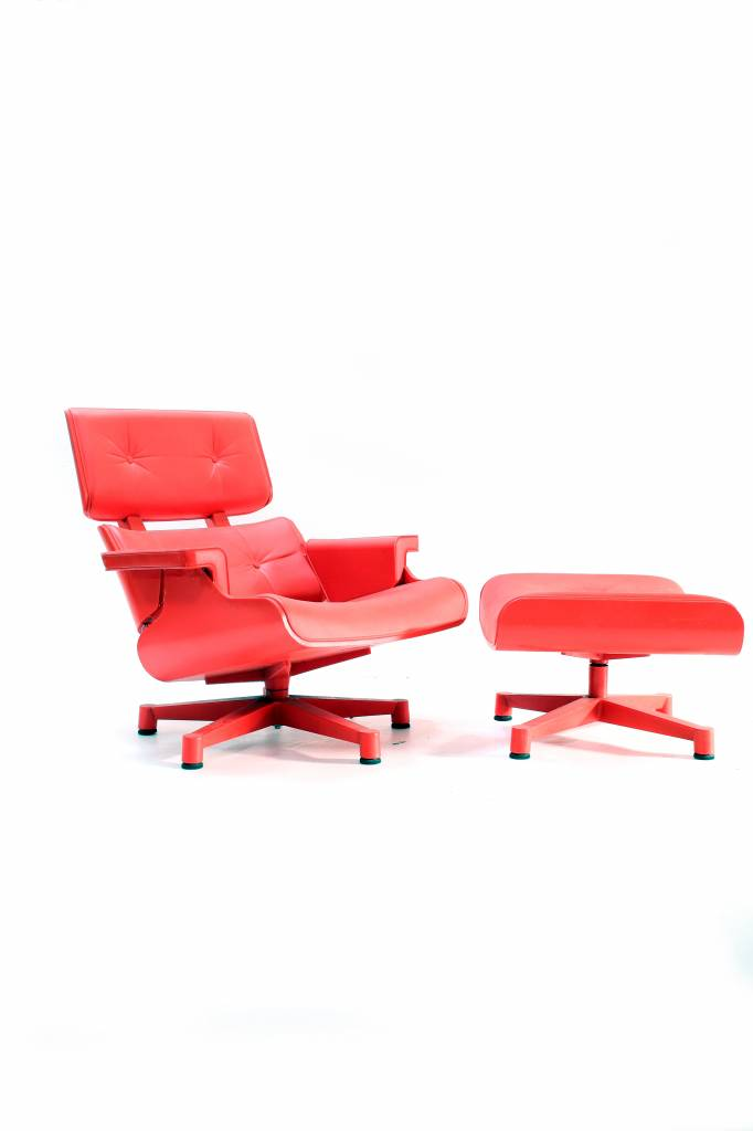 Charles Eames Lounge chair garden version
