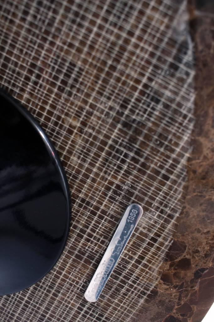 Zwarte Knoll sidetable met bruine marmer