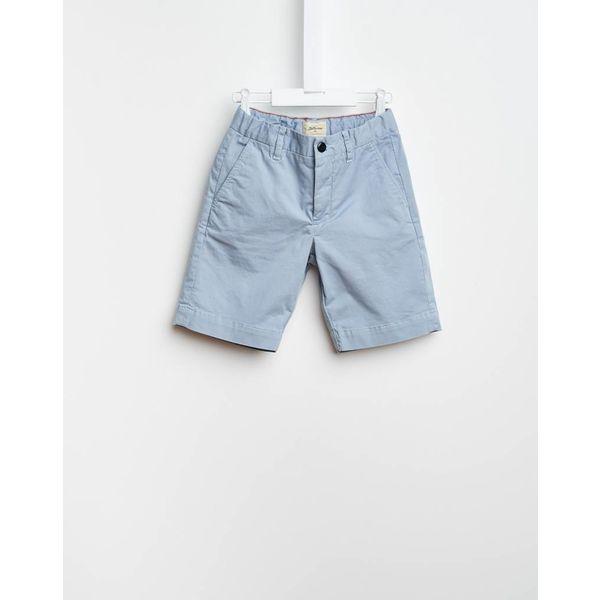 Licht blauwe korte broek