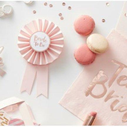Vrijgezellenfeest feestartikelen voor de bruid en de gasten vindt je voordelig en snel in de online feestwinkel van J-style-deco.nl