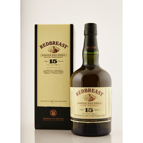 Redbreast 15 is a rich, thick and earthy bottling from the Midleton distillery in County Cork. Toasted wood compliments the fruity and aromatic spiced notes.