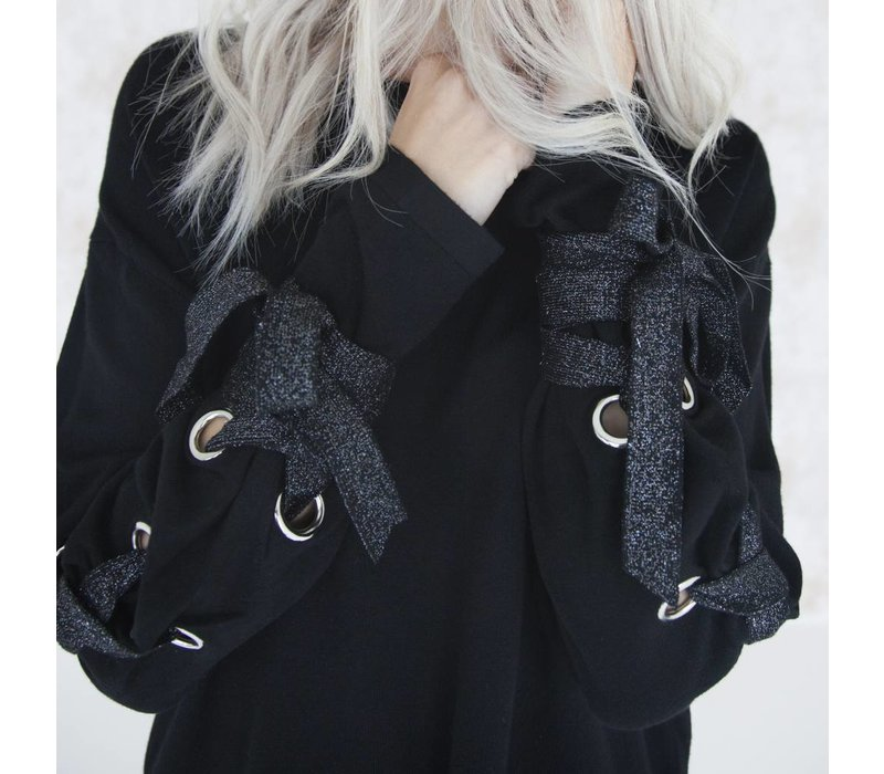 SUZY BLACK - TRUI