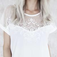 LINA LACE WHITE - T-SHIRT