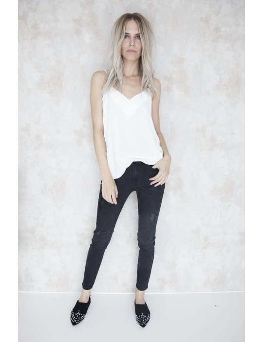 BASIC BLACK SKINNY
