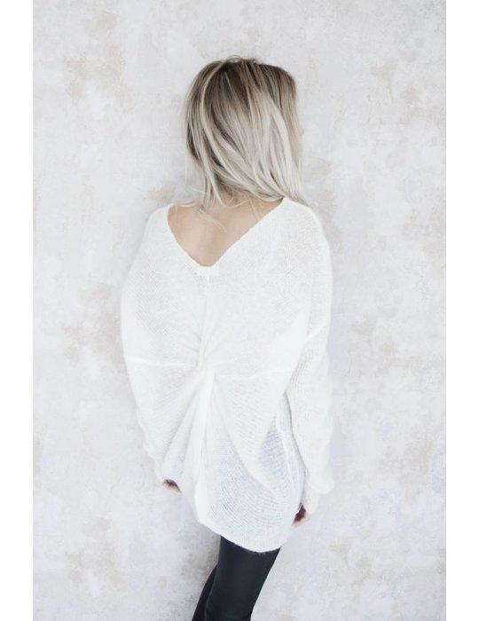 NOA WHITE