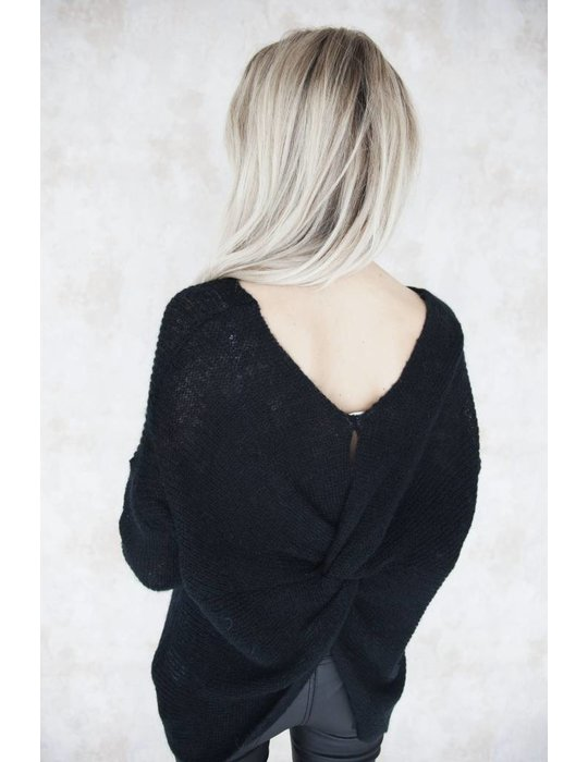 NOA BLACK