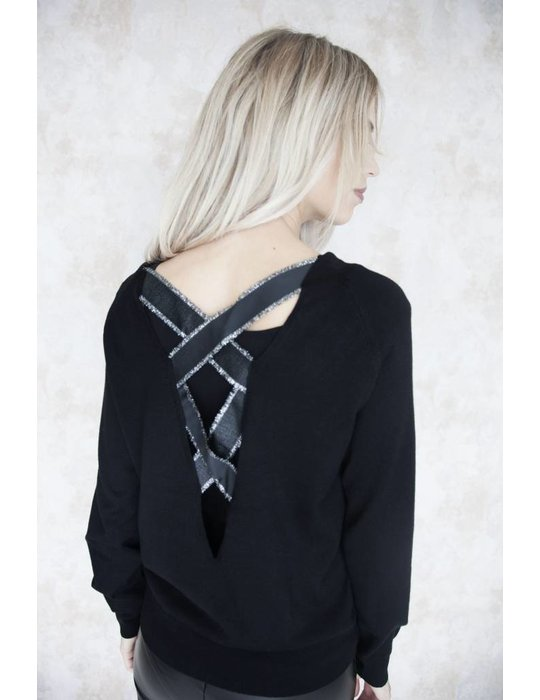 CROSSED BACK BLACK