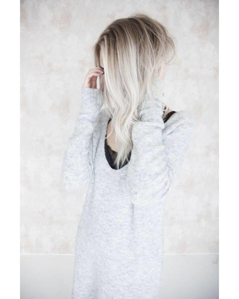 MELANY GREY- SWEATER DRESS