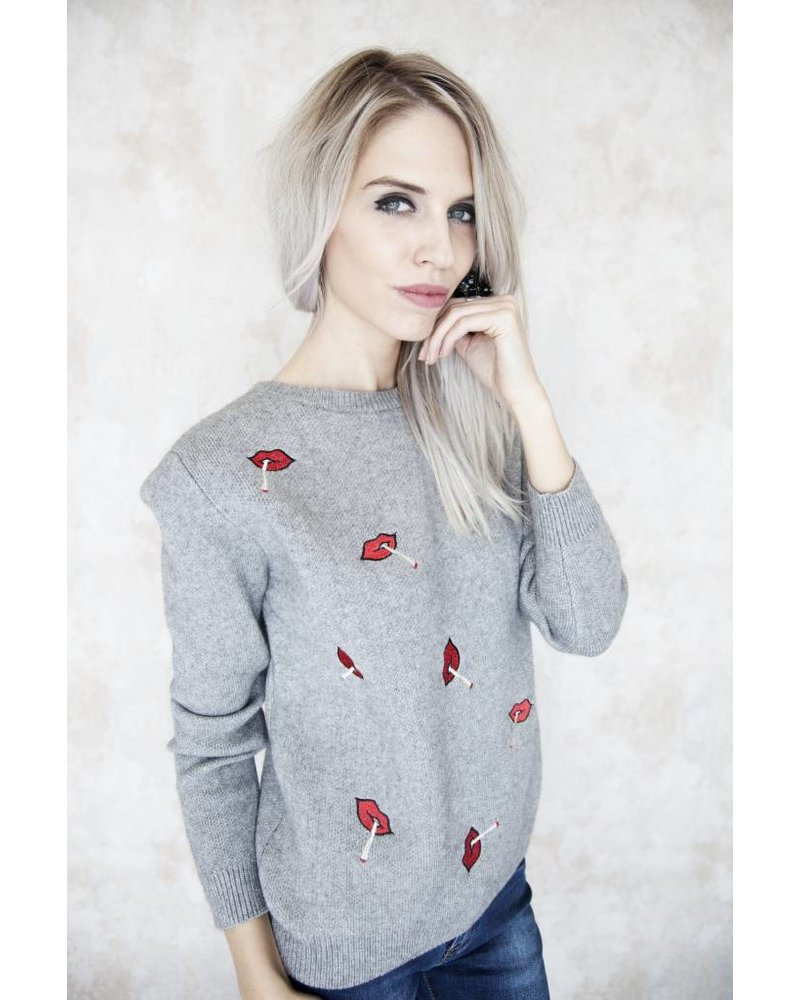 RED LIPS GREY - SWEATER