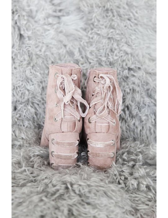 LACED UP PINK