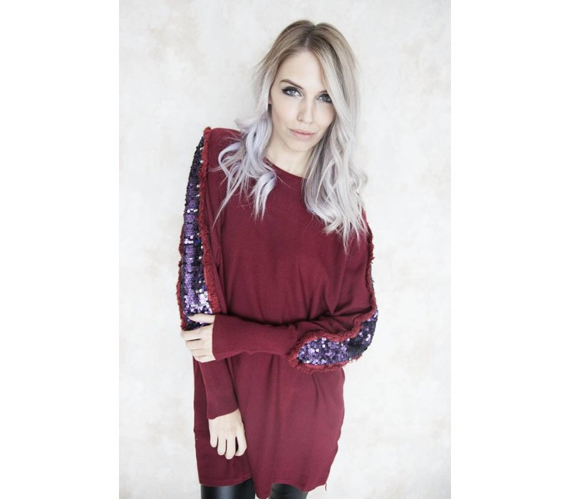 FESTIVE SLEEVES RED - SWEATER