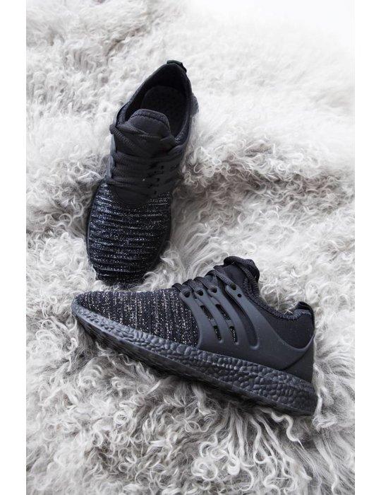 COMFY  BLACK