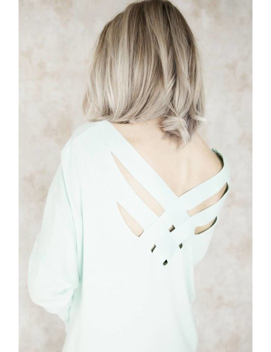 CROSSED BACK MINT