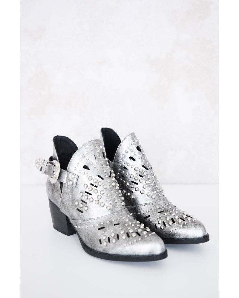 MADE FOR WALKING SILVER - BOOTS