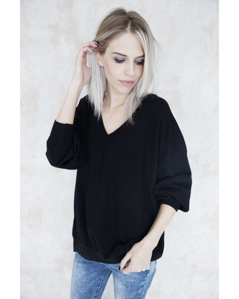 VERA BASIC BLACK - SWEATER