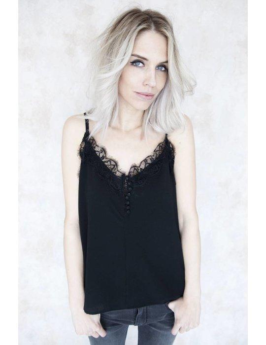 LILY BLACK