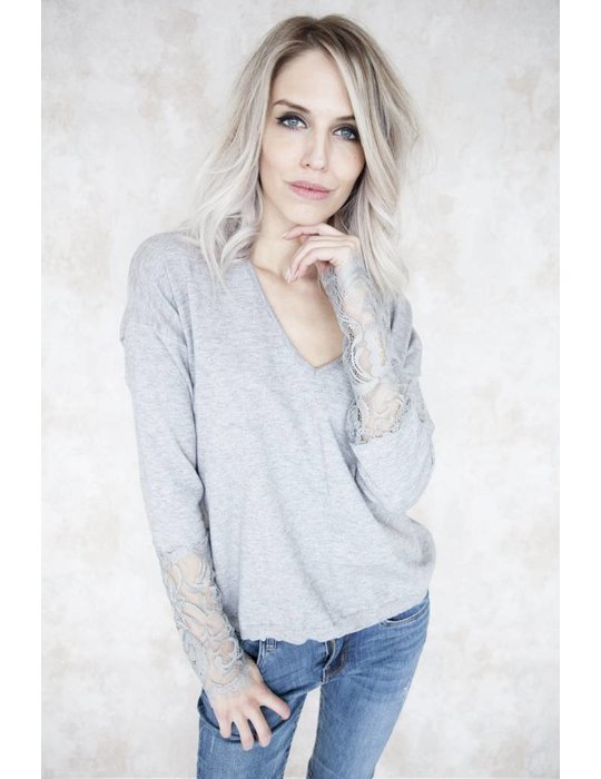 ANNELYN LACE GREY