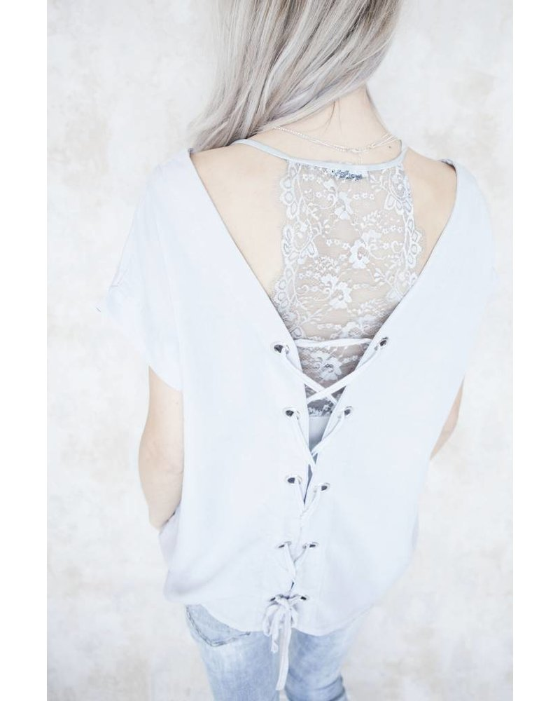 LACED UP BACK SOFT GREY - T-SHIRT
