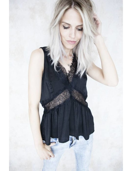 ANI LACE BLACK