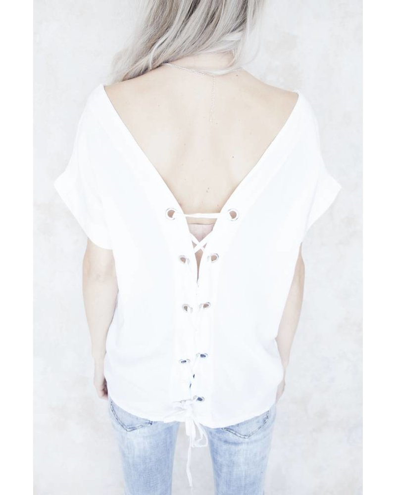 LACED UP BACK WHITE - T-SHIRT