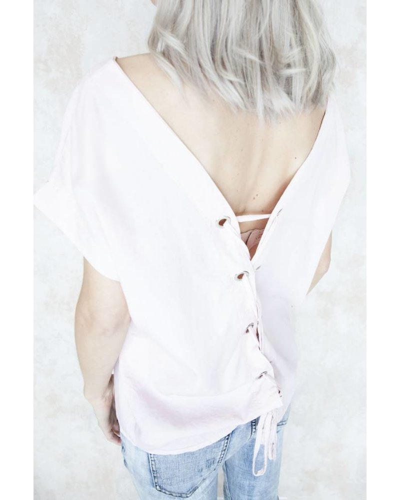 LACED UP BACK SOFT PINK - T-SHIRT