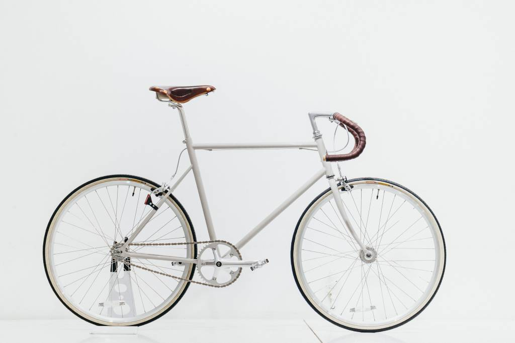 Single speed with track handlebar