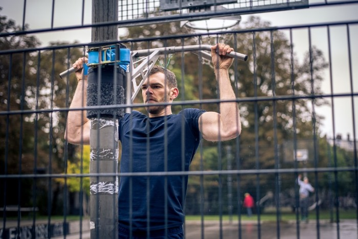 portable pull-up and dip bar pull-ups