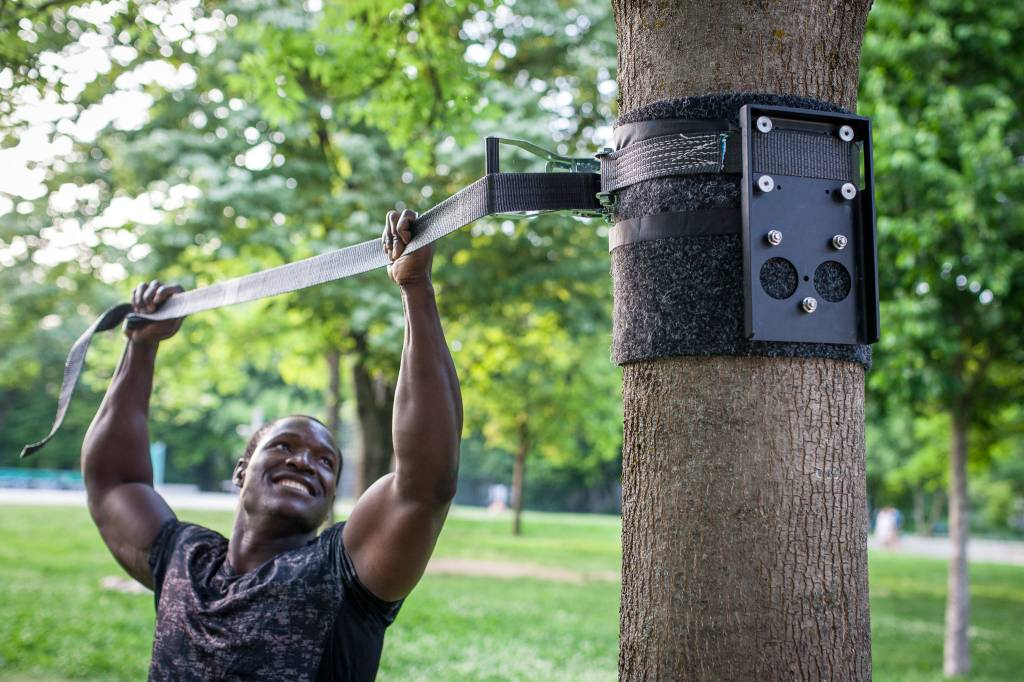 """Outdoor installation package as upgrade for travel pull up bar """"Pullup & Dip"""" , tree/post installation, black steel version"""
