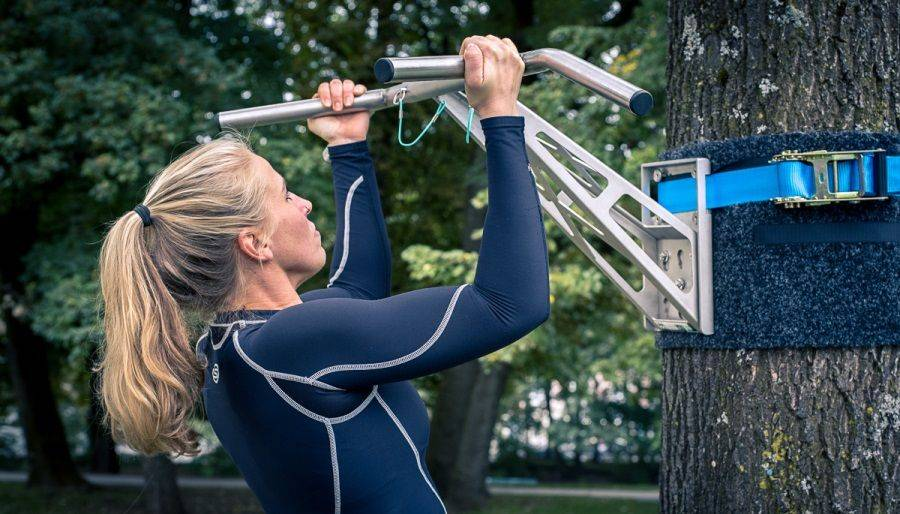 Die ultimativen Top 5 Tipps, um Klimmzüge als Frau zu trainieren!