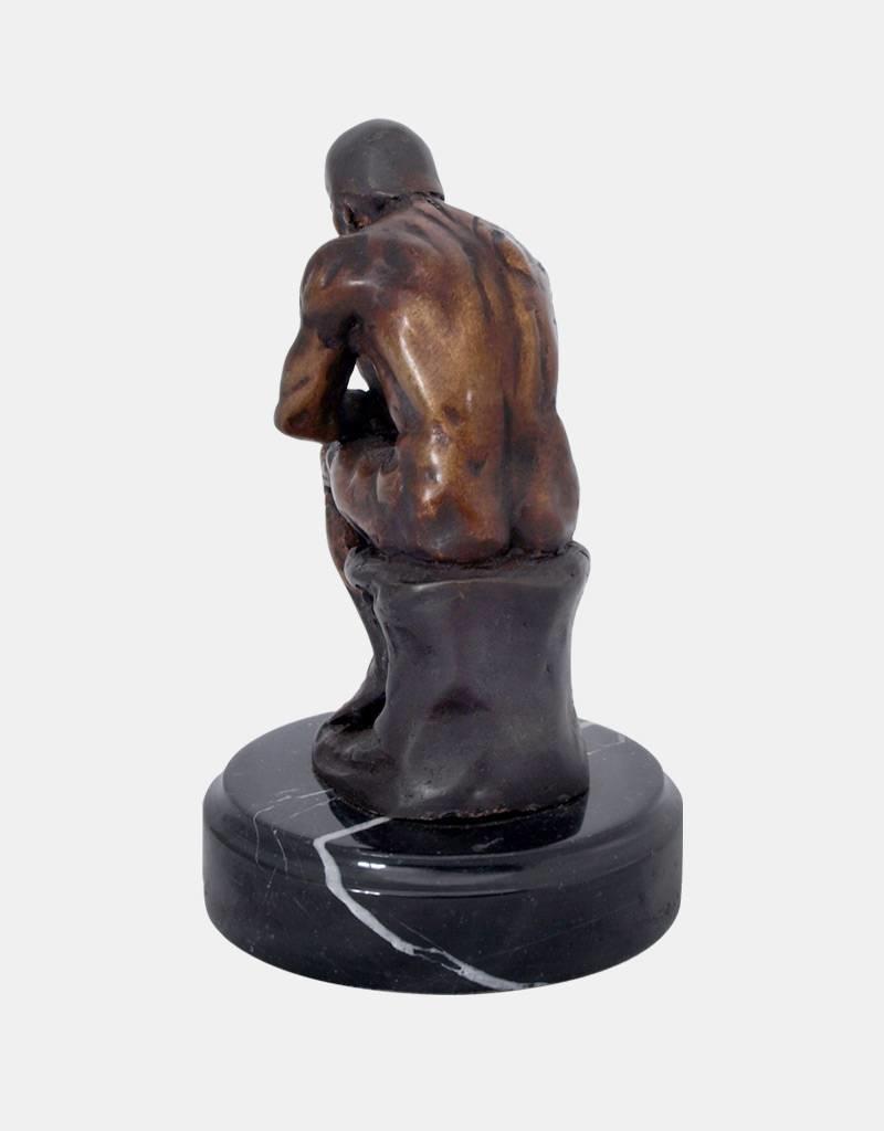 Der Denker – Bronzeskulptur auf Marmorsockel