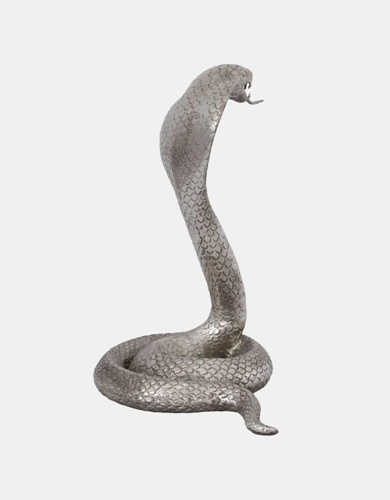 Elapid – Silberfarbene Kobrafigur