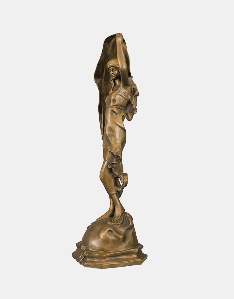 Rena – Bronzeskulptur einer Schleiertänzerin auf Sockel