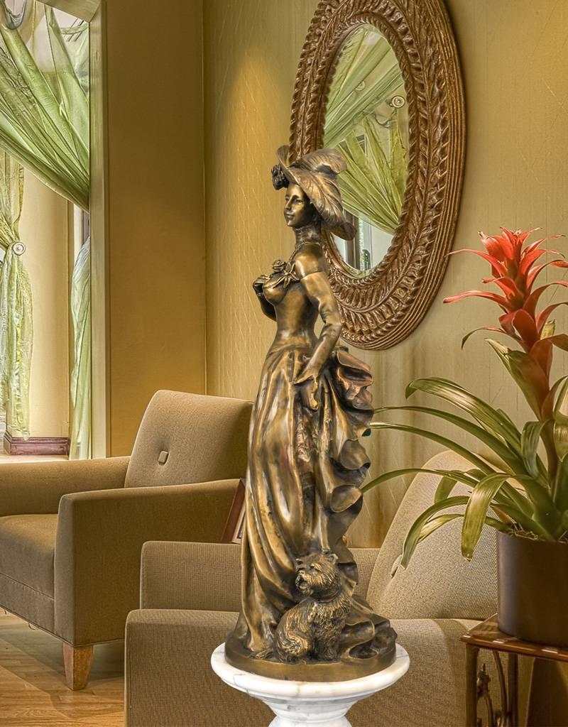 Andria – Bronzeskulptur mondäne Frau